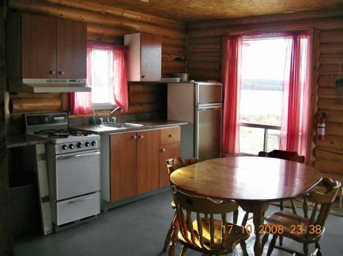 Cuisine avec vue sur le lac Crevet